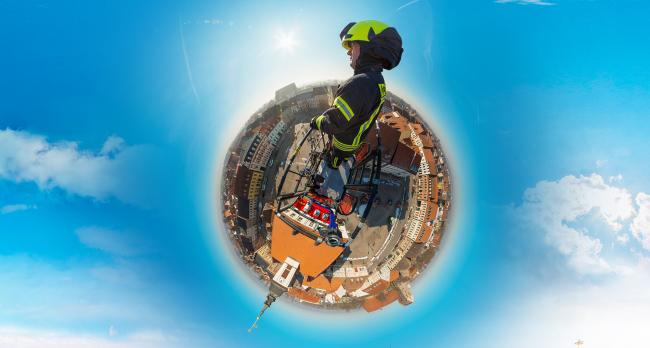 Dies ist ein Little Planet Bild kreiert aus einem 360° Foto der Freiwilligen Feuerwehr in Angermünde fotografiert von Stefan Klenke
