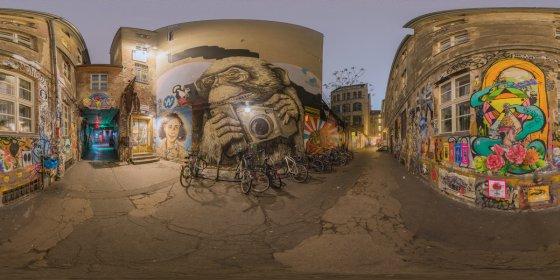 Play '360° - Street Art Höfe - Berlin