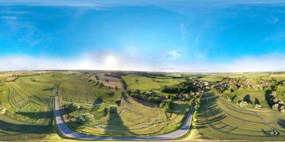Play '360° - Königin von Biesenbrow